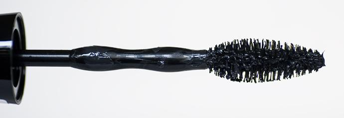 skönhetsblogg molkan maybelline news nyheter autumn höst 2014 colossal go exteme! leather black