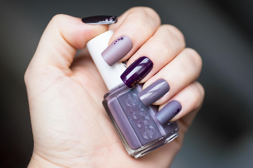 mauve nail polish nagellack essie isadora deborah lippmann