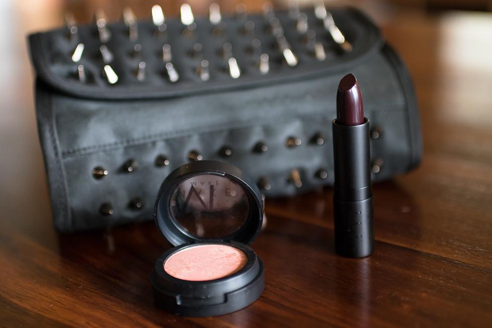 make up store utförsäljning blush lipstick make up bag