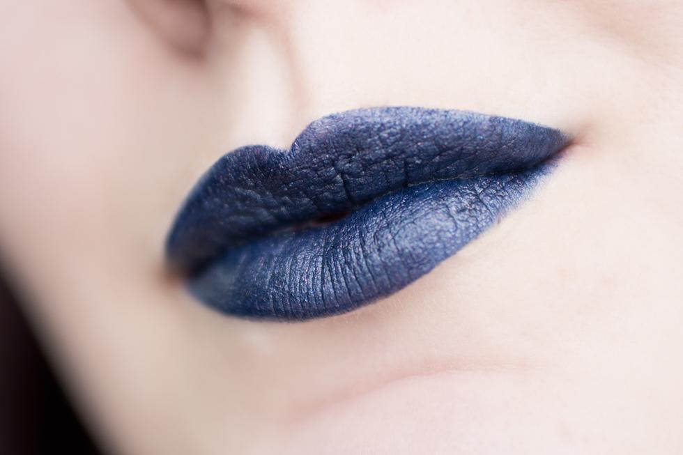 kat von d studded lipstick poe