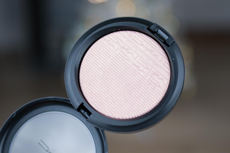 MAC cosmetics extra dimention skinfinish