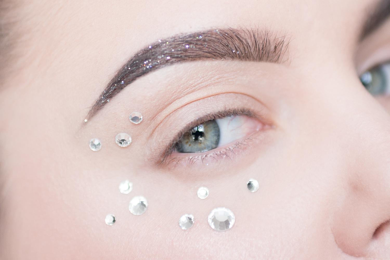 trendspaning makeup trend 2017 glitter details