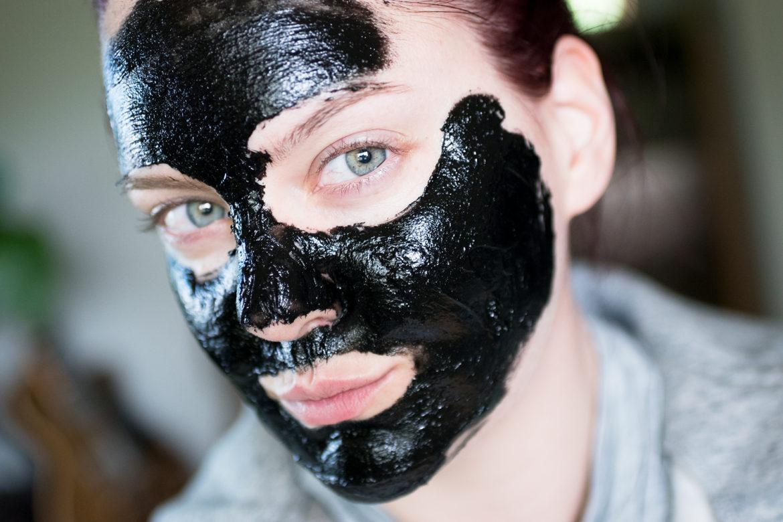 Söndagsmasken – Peter Thomas Roth Irish Moor Mud Purifying Black Mask