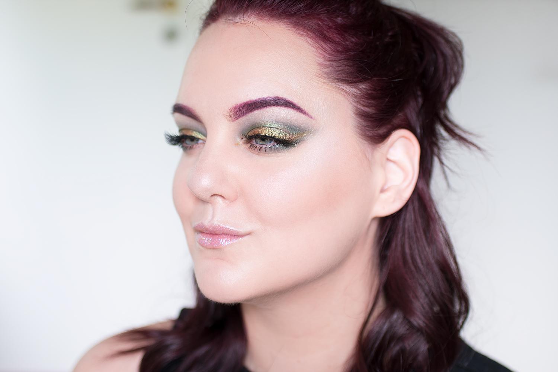 motd summer vibes makeup green