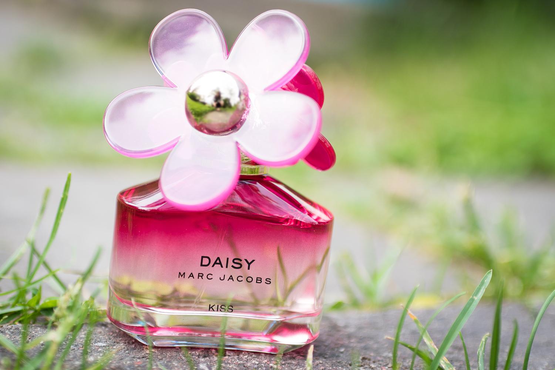 marc jacobs daisy kiss